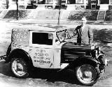 66k photo of 1930 American Austin delivery