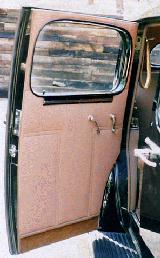28k photo of 1937 Buick 90 Limited sedan, rear door