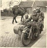 24k WW2 photo of early BMW-R12 Wehrmacht gespann