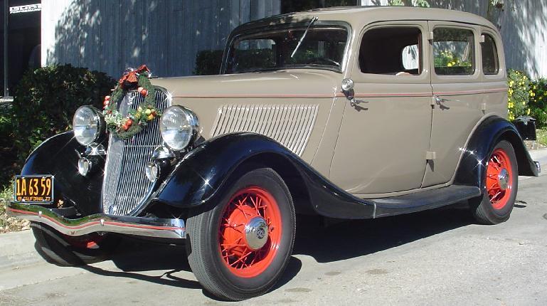 69k photo of 1933 Ford deluxe fordor sedan of Dirk Stewart ... & Oldtimer gallery. Cars. 1933 Ford V8 40 and Ford 46. markmcfarlin.com