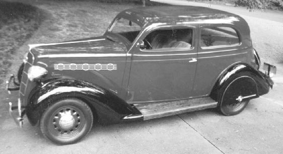 Oldtimer gallery cars 1935 plymouth pj for 1935 plymouth 2 door sedan