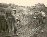37k WW2 photo of le.E.Pkw. Kfz.2 and STZ-3, USSR